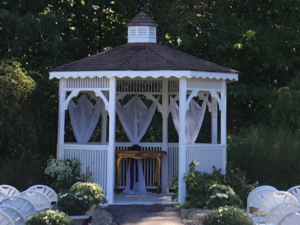 ceremony_outdoor_gazebo_fountain_bleau